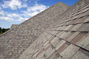 Homes roofed with asphalt shingles in Manchester